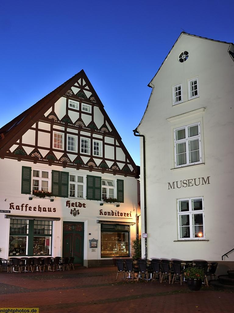 Eckernförde Cafe Heldt in der St.-Nicolai-Strasse mit Fachwerkgiebel